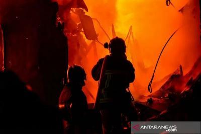 Kebakaran di Cengkareng, 14 Mobil Damkar Dikerahkan