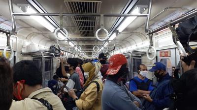 PT KAI Commuter Catat Penumpang KRL Bertambah 7% Dibandingkan Pekan Lalu