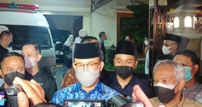 Melayat ke Rumah Duka Mertua SBY, Anies Sampaikan Belasungkawa