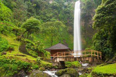 Curug Cimahi, Air Terjun Tertinggi di Bandung Raya yang Cantik Memesona