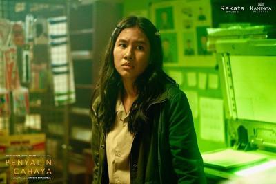 Wakili Film Penyalin Cahaya, Shenina Cinnamon Hadiri Festival Film Busan
