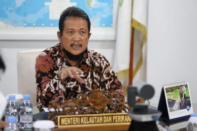 Menteri KKP Minta Nelayan Tak Takut dengan Kapal Asing di Laut Natuna