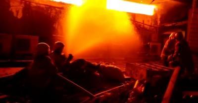 Kebakaran di Swalayan Cahaya Cilandak Merembet ke Toko Depan