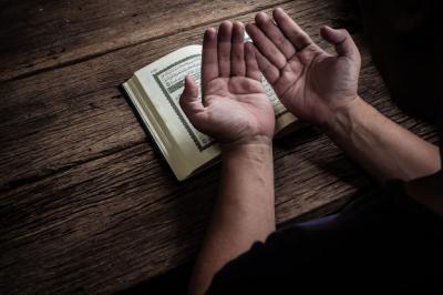 Doa Sebelum Bekerja, Dilancarkan Rezeki dan Usaha