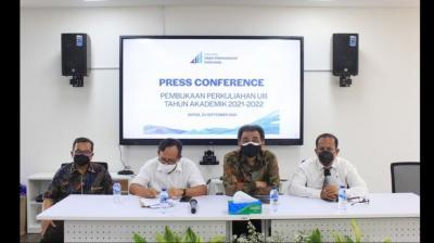 Universitas Islam Internasional Indonesia Mulai Dibuka Perdana dengan 98 Orang Mahasiswa