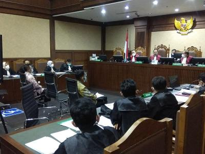 2 Pejabat Pajak Didakwa Terima Suap Rp57 Miliar dari 3 Perusahaan