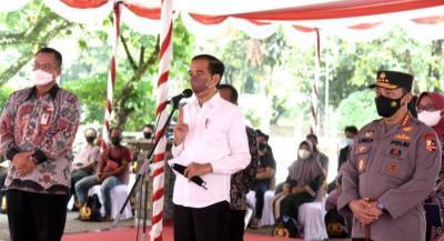 Jokowi ke Mahasiswa: Gerakkan Semuanya Ikuti Vaksinasi