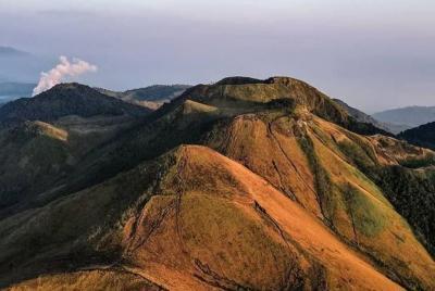 Ada Pendaki Hilang, Jalur Wisata Pendakian Gunung Guntur Langsung Ditutup