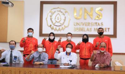 Rektor UNS Lepas 9 Atlet yang Berlaga di PON Papua