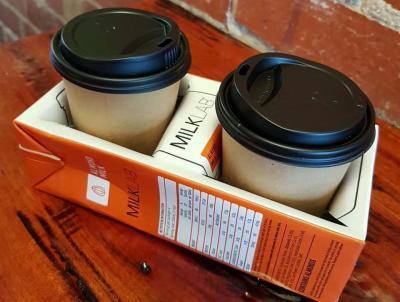 Kreatif! Kafe Ini Daur Ulang Kotak Susu Bekas Jadi Penampung Gelas Kopi