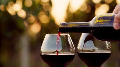 4 Manfaat Minum Wine, Bisa Turunkan Kolesterol Loh