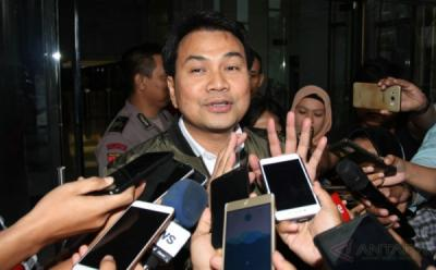 Azis Syamsuddin Bakal Dibawa Malam ini ke KPK