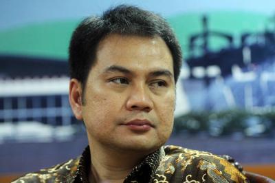 Azis Syamsuddin Diizinkan Mandi Sebelum Dibawa Penyidik KPK