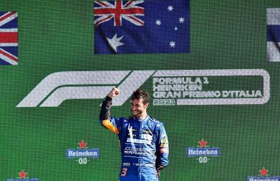 Kemenangan di F1 GP Italia Disambut Gembira, Ricciardo: Ayah Saya Sampai Bertingkah seperti Anak Kecil