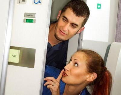 Wow! Pramugari Ungkap Kode Rahasia Ajak Penumpang Bercinta di Toilet Pesawat
