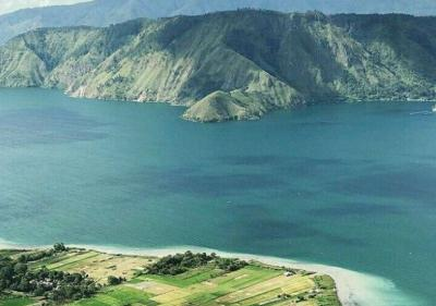 Sudah Siap Liburan? Yuk Pelesiran ke 3 Danau Indah di Sumatera Ini