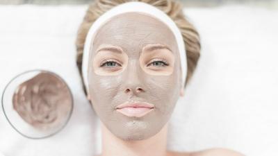 6 Manfaat Masker Tanah Liat untuk Kecantikan Kulit dan Rambut