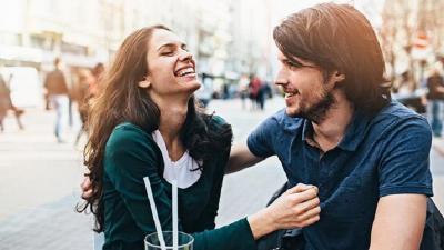 Menurut Psikolog, Ini 5 Tanda Anda Sedang Jatuh Cinta