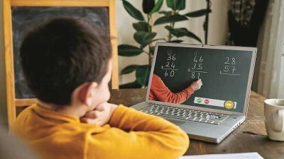 3 Tips Jaga Postur Tubuh Anak Selama Sekolah Online, Biar Gak Bungkuk!