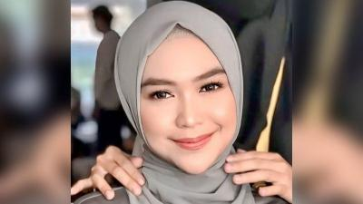5 Gaya Hijab Pashmina ala Ria Ricis, Simpel dan Cantik Tanpa Ribet!