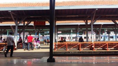 Jalur Layang Bogor Line di Stasiun Manggarai Sudah Mulai Beroperasi