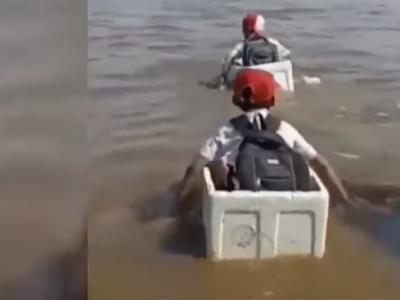 Susi Minta Fadli Zon Patungan untuk Siswa SD yang Arungi Sungai Pakai Styrofoam