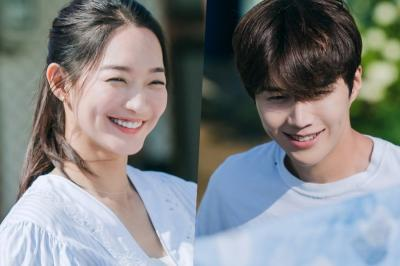 Shin Min Ah dan Kim Seon Ho Akhirnya Jadian di Hometown Cha Cha Cha, Netizen Baper