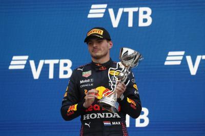 Girangnya Verstappen, Finis Ke-2 di F1 GP Rusia 2021 saat Mulai Balapan dari Posisi Paling Buncit