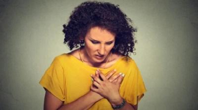 3 Hoaks Penyakit Jantung Paling Sesat, Termasuk Percaya Kalung dan Gelang Kesehatan!