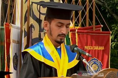Universitas Muhammadiyah Purwokerto Gelar Wisuda Offline, Diikuti 4 Mahasiswa Asing