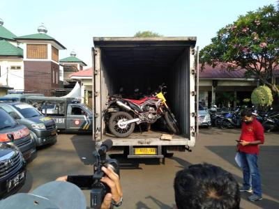 Polisi Bongkar Pencurian 25 Sepeda Motor di Bekasi Lewat GPS