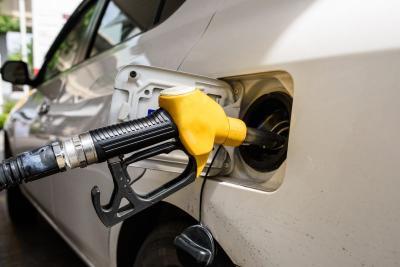Jangan Isi BBM dalam Kondisi Mesin Menyala, Ini 3 Risiko Bahayanya