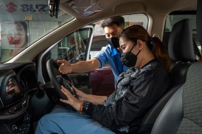 5 Tips Posisi yang Tepat saat Mengemudi Mobil, Dijamin Nyaman dan Aman!