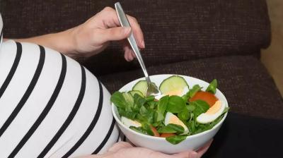 5 Makanan untuk Jaga Kesehatan Ibu Hamil dan Janin