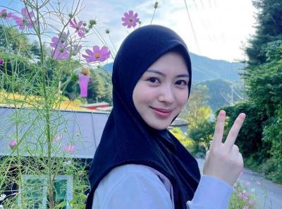 5 Outfit Hijab Casual ala Ayana Moon, Simpel dan Cantik Banget