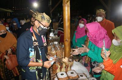 Dicurhati Omzet Anjlok, Sandiaga Uno Borong Produk UMKM
