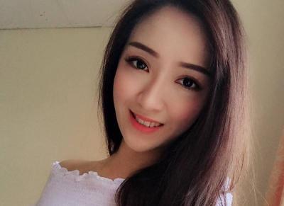 Pesona Pramugari Cantik Lilian Lau, Tatapan dan Senyumnya Bikin Netizen Melayang