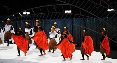 Upacara Penutupan PON XX Papua 2021, Tarian Khas Papua dan Parade Atlet Awali Acara