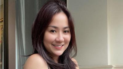 Senyum Manis Tante Ernie Bikin Hati Gerah, Netizen: Kayak Anak SMA