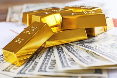 Harga Emas Berjangka Anjlok Terseret Data Penjualan Ritel