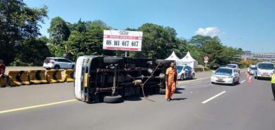 Kecelakaan Beruntun di Tol Tangerang-Merak, 1 Orang Tewas dan 19 Terluka