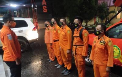 Tersangkut Eceng Gondok, Perahu Bawa 23 Penumpang Terjebak di Waduk Jatiluhur