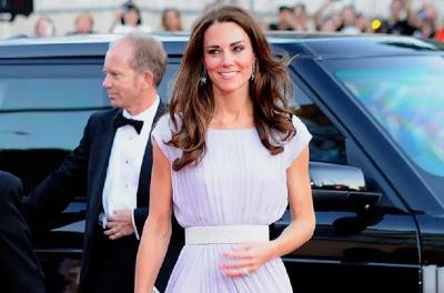 Kate Middleton Pakai Gaun Lawas Berusia 10 Tahun, Tetap Anggun!