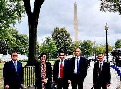 Foto di Depan Monumen Washington, Sri Mulyani: Mirip Monas Kita