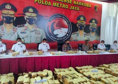 Polda Metro Bongkar Sindikat Narkoba Antar-Provinsi, 1,37 Ton Ganja Diamankan