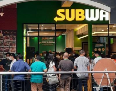 Usai Disanksi, Satpol PP Berjaga di Subway Citos Cegah Kerumunan