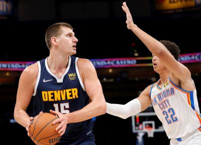 Fungsi dan Tujuan Gerakan Pivot dalam Permainan Bola Basket