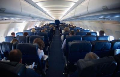 Kisah Horor Pramugari Hitung Penumpang Gaib di Pesawat, Kakinya Enggak Napak!