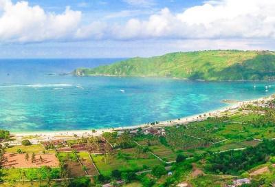5 Pantai Eksotis di Mandalika Wajib Jajal, Jangan Lupa Bawa Pasangan Ya!