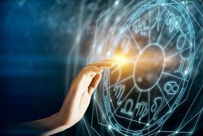 Zodiak Hari Ini: Aquarius Cobalah Berpikir ke Depan, Pisces Pertahankan Apa yang Baik